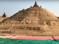 Say What?!: Indian Artist Builds World's Largest Sand Castle