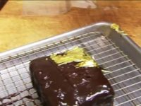 Say What?!: Los Angeles Restaurant Offering $500 Gold Brownie