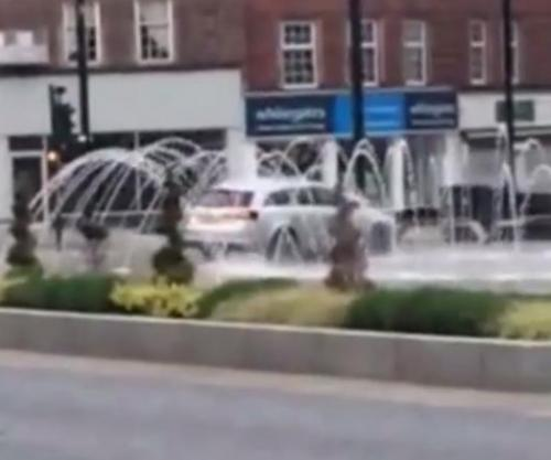 Motorist-caught-using-fountain-for-free-car-wash