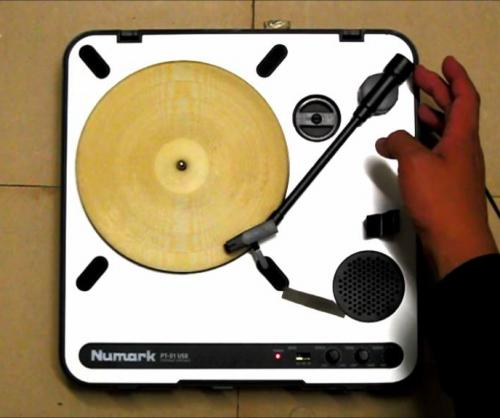 Tortilla-turned-into-playable-record-with-laser-cutter[1]