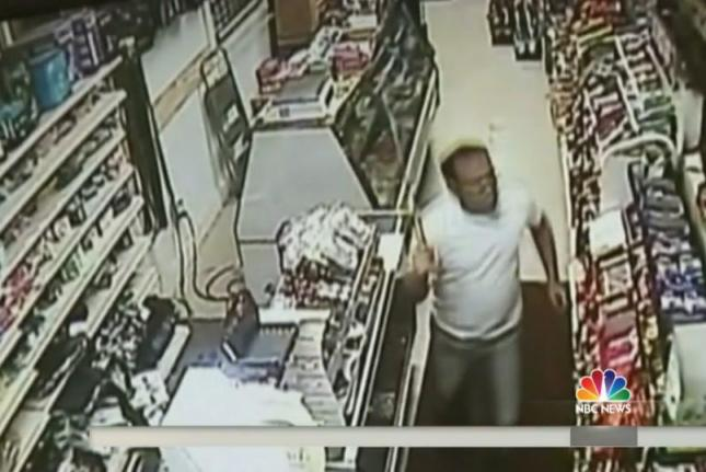 Sword-wielding-store-clerk-chases-off-robbers-with-machetes[1]