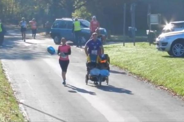 Dad-pushes-twins-in-stroller-for-half-marathon-world-record