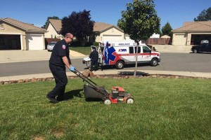 EMT-finishes-mowing-lawn-after-87-year-old-passes-out