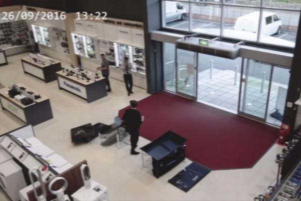 clumsy-customer-busts-6000-worth-of-tvs-at-british-store