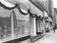 Looking Back: Deck the Halls!